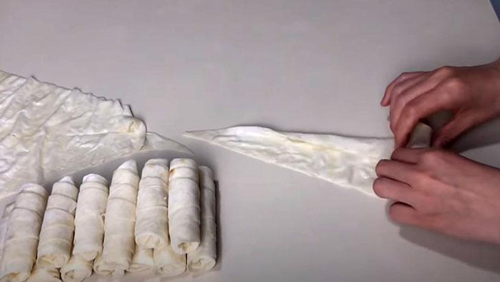 3 Malzemeli Kolay Buzluk Böreği Tarifi 1