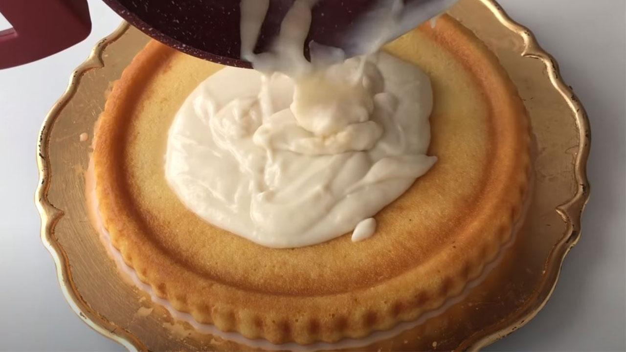 3 Kaşık Malzemeli Şerbetli Pasta Tarifi 2