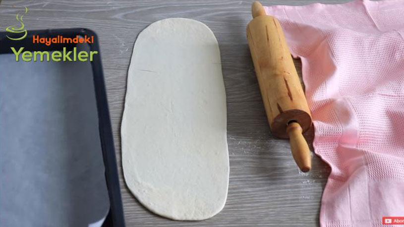 Ustaları Kıskandıracak Etli Ekmek Tarifi 2