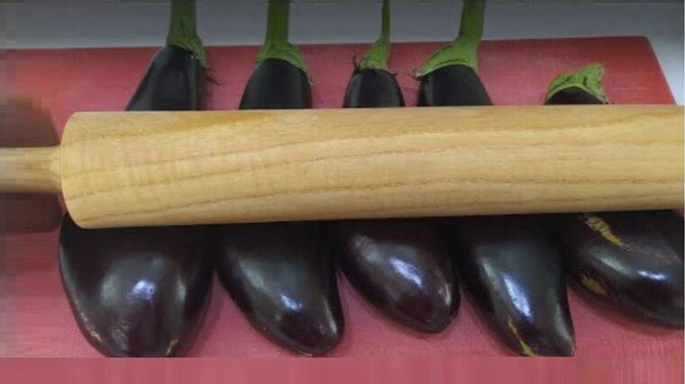 Oklava İle Ezilerek Yapılan Patlıcan Tarifi 1